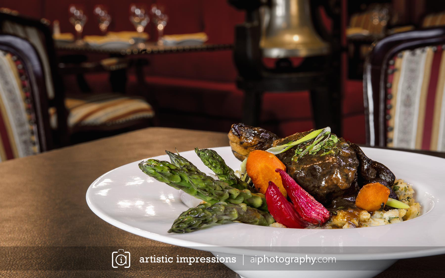 Food Winnipeg photographer portrait commercial  : winnipeg photographer commercial product advertising photography food steal resto gare train bar fine dining bourguignon from aiphotography.com size 1800 x 1125 jpeg 219kB
