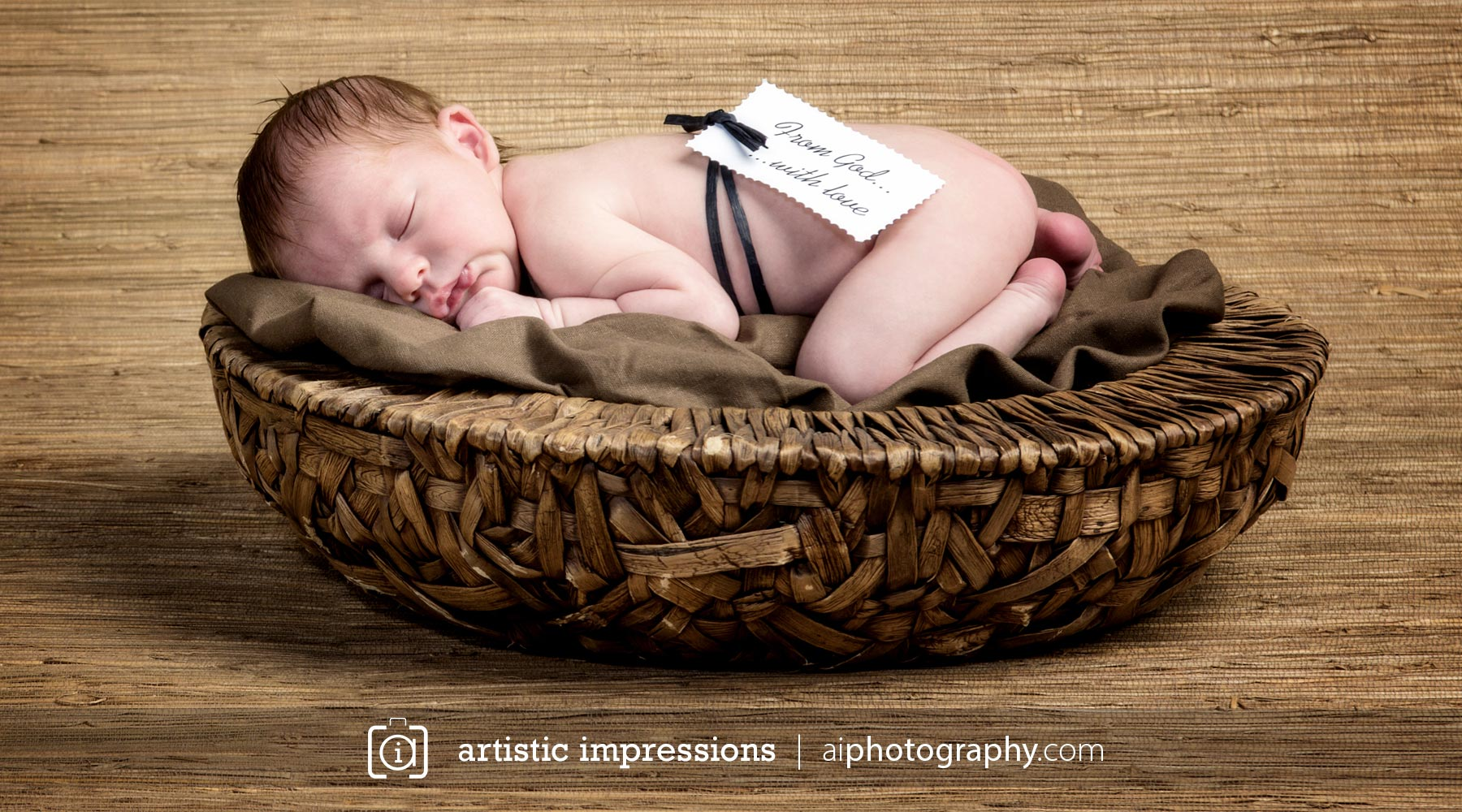 Winnipeg photographer family child newborn photography pictures baby in basket